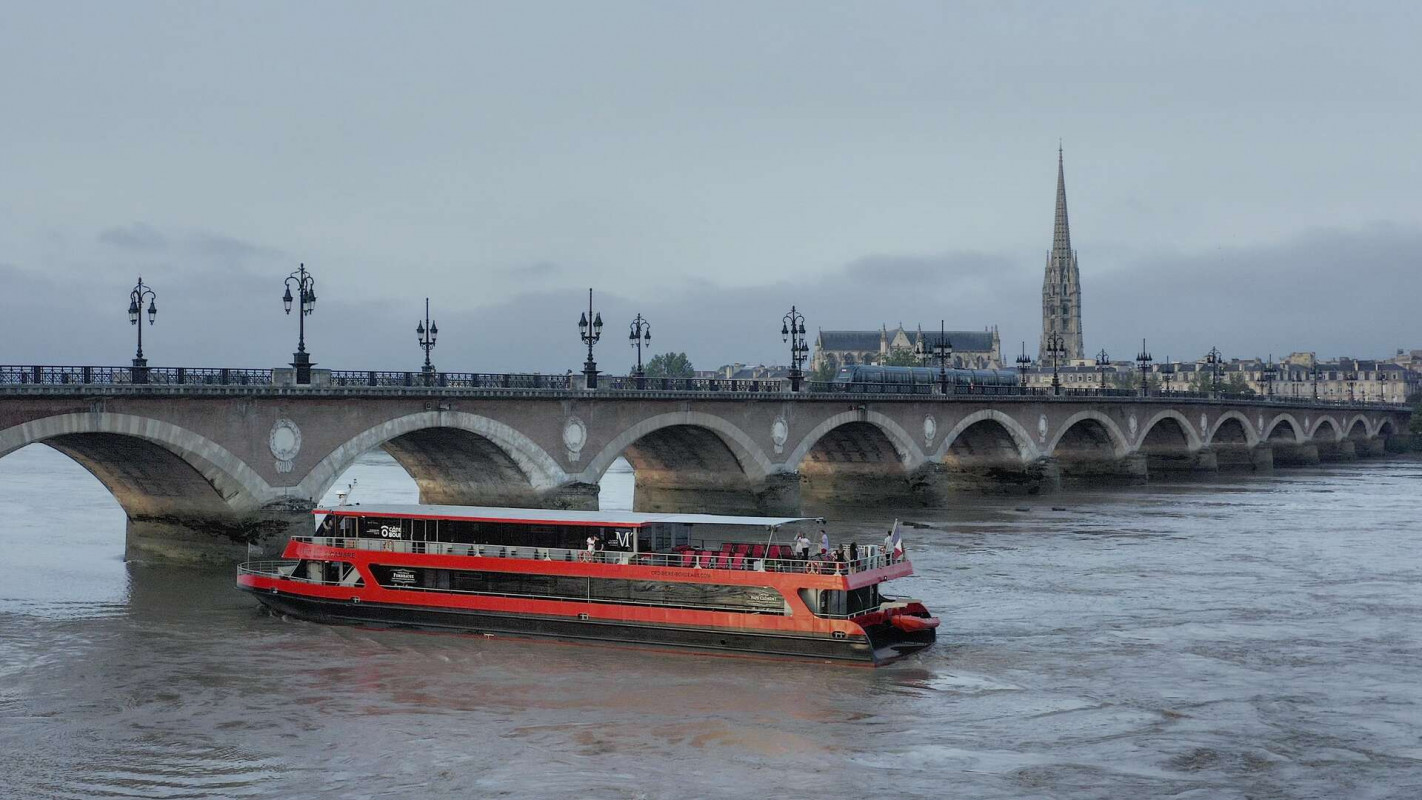 Drone of Visuals_Bordeaux River Cruise